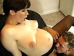 Guy fucks beauriful pregnant lady
