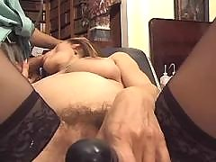 Pregnant mom sucks cock of doctor